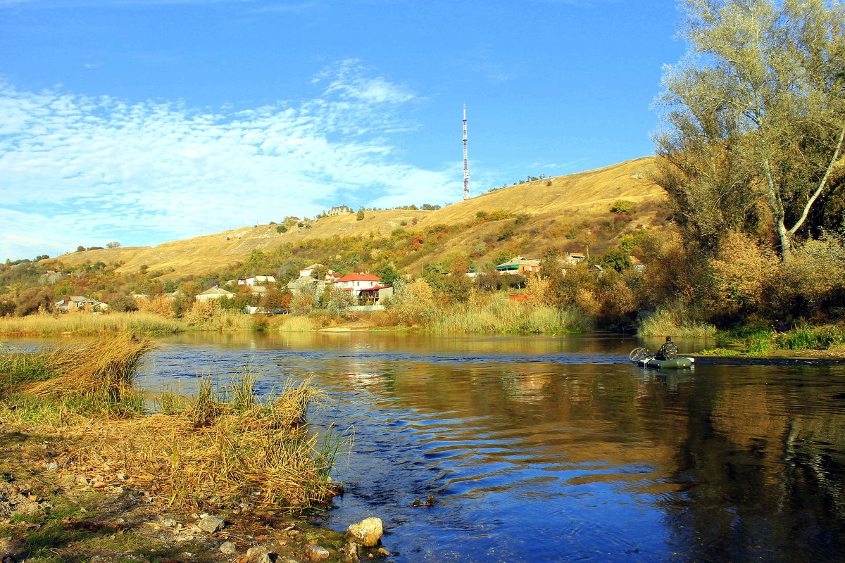 Рыбалка осенью на реке. - Валентина ツ ღ✿ღ