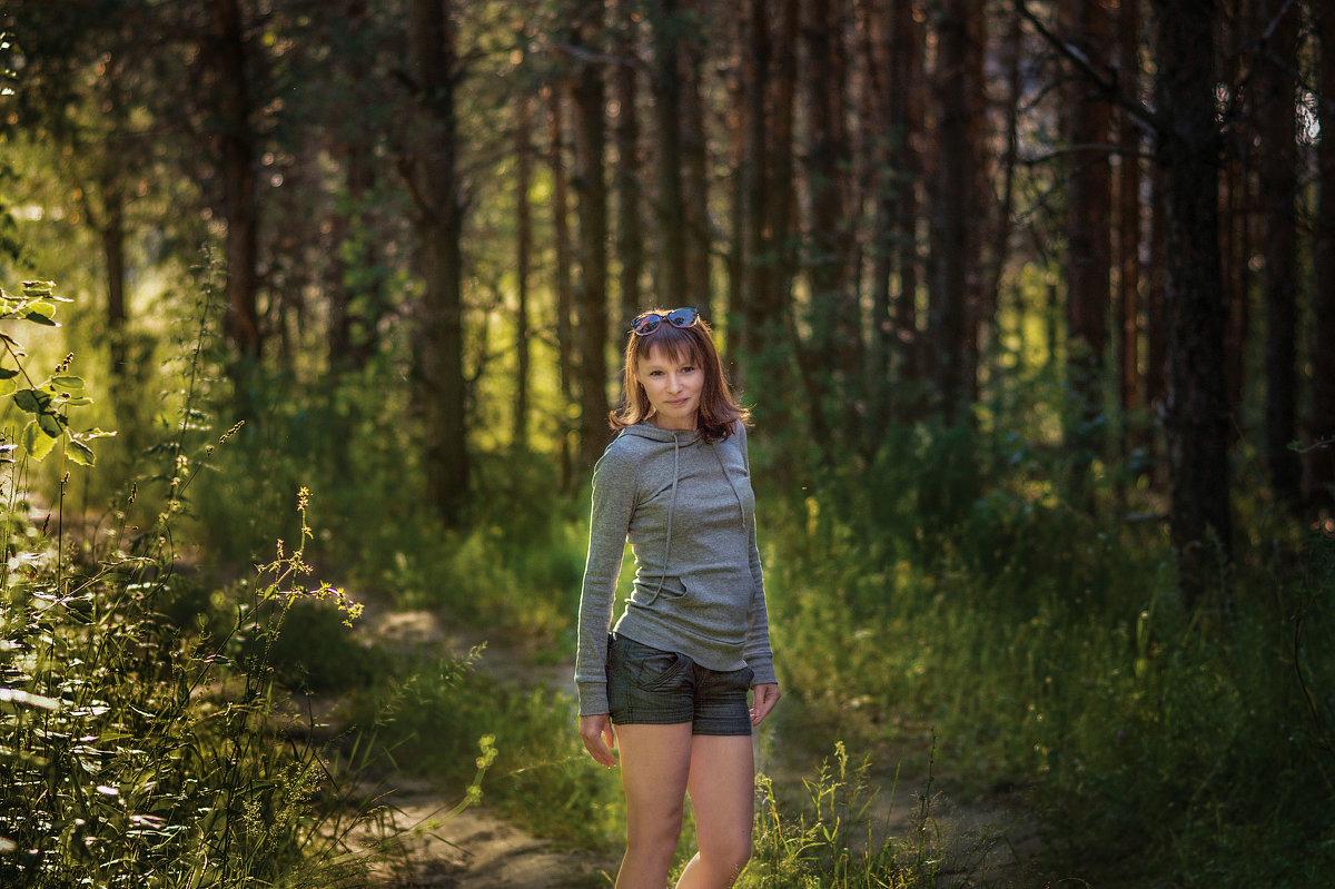На лесной дорожке - Вера Сафонова