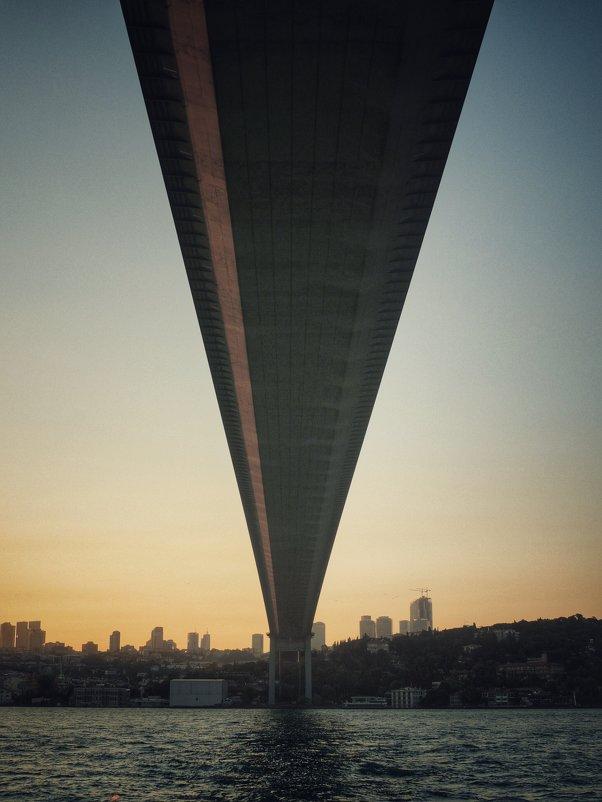 Под Босфорским мостом - Екатерина Аматова