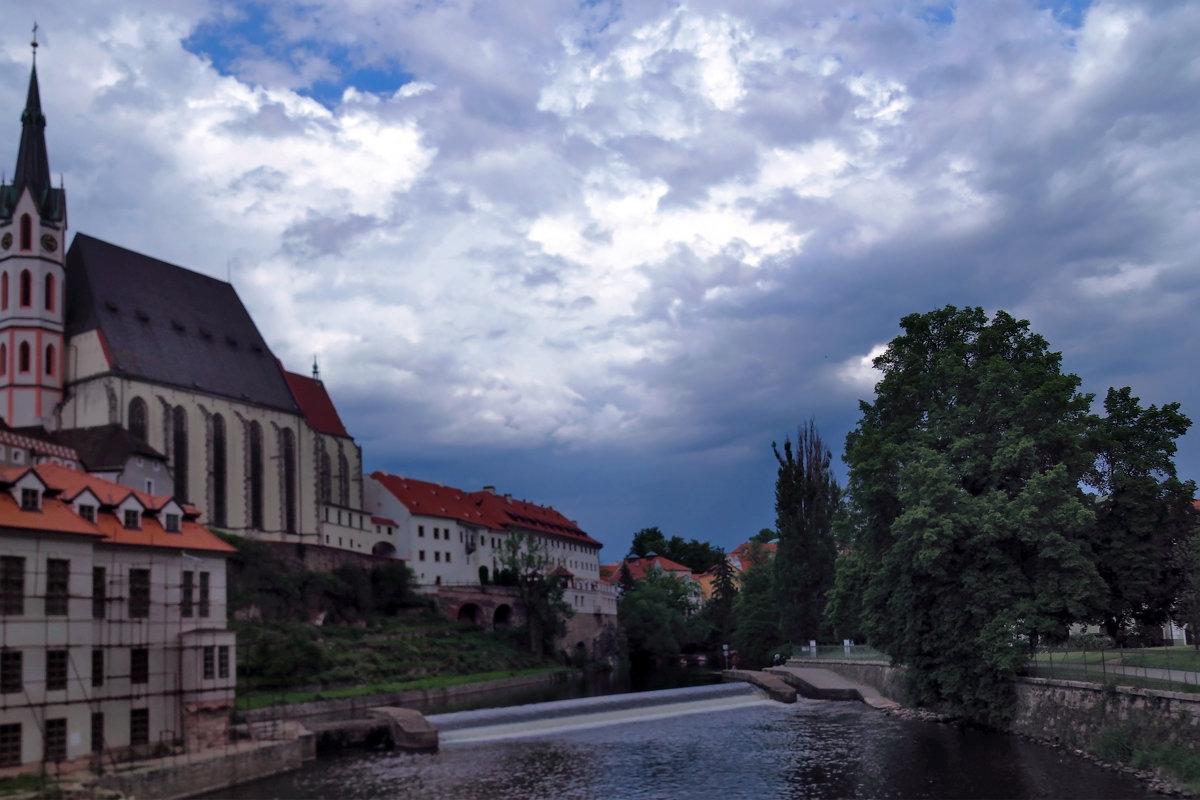 Скоро, скоро будет дождь. Крумлов. Чехия - Николай Ярёменко