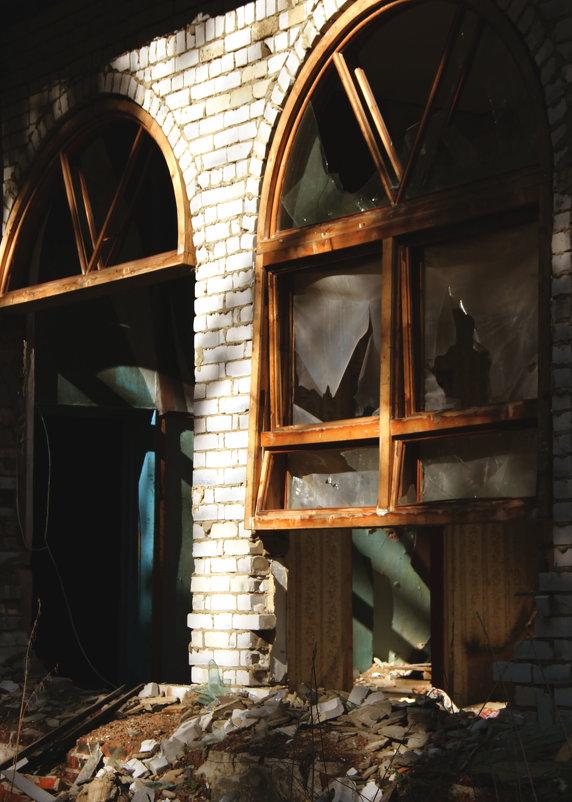 Заброшенное здание - Ольга Вишневская