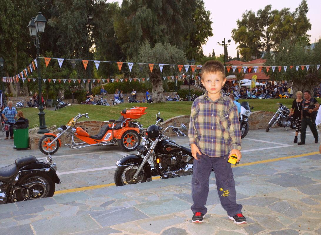 На выставке мотоциклов 01.10.2016 - Оля Богданович