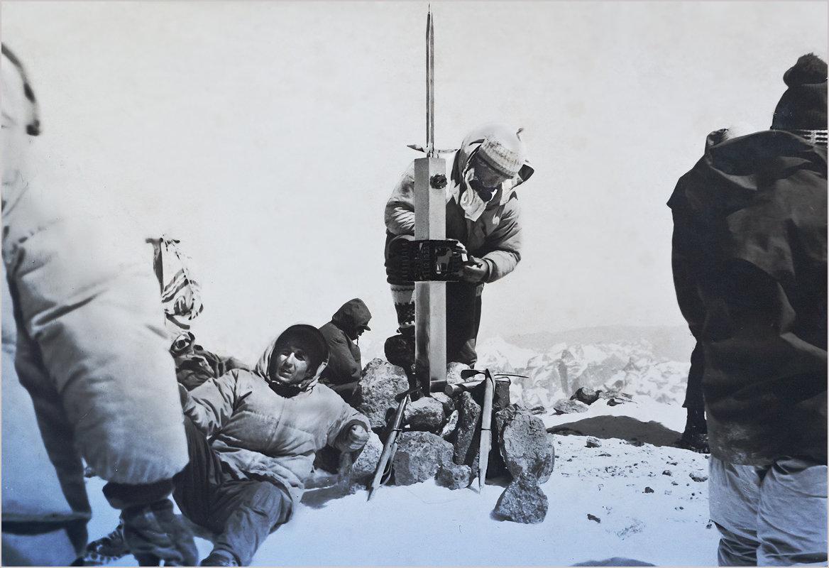 На вершине Эльбруса. Репортаж из прошлого - Lmark