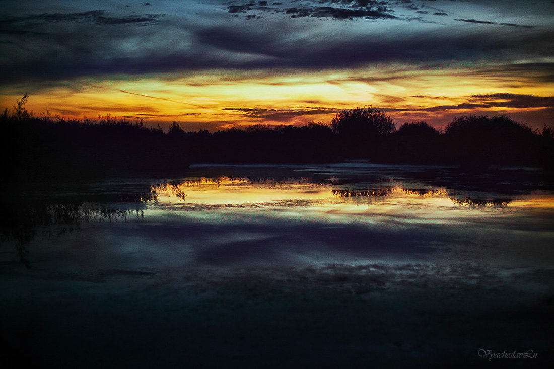 Вечером на озере - Вячеслав Ложкин