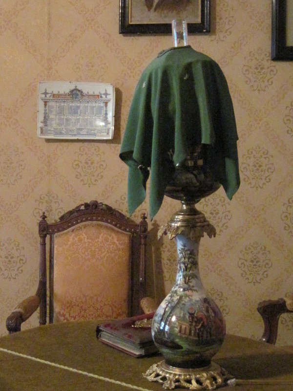 В гостиной. Дом- музей Чехова - Маера Урусова