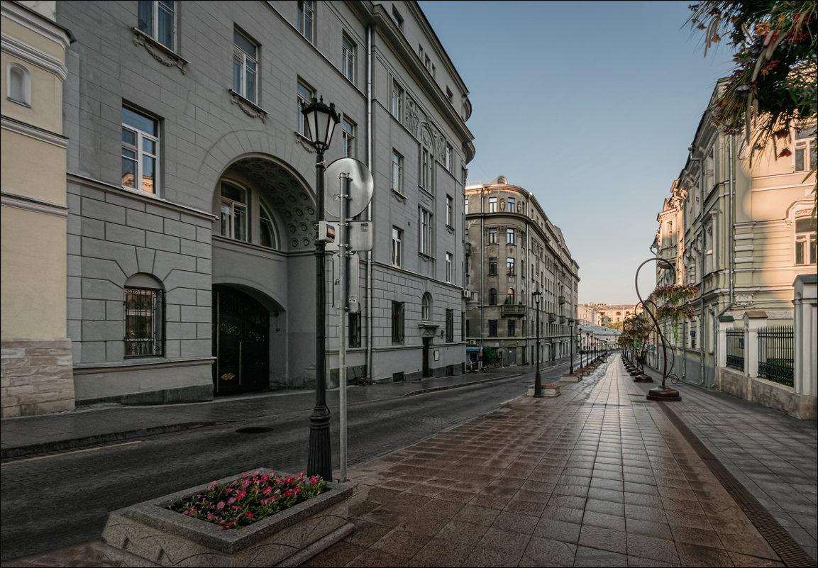 Улица Забелина - Олег Фролов
