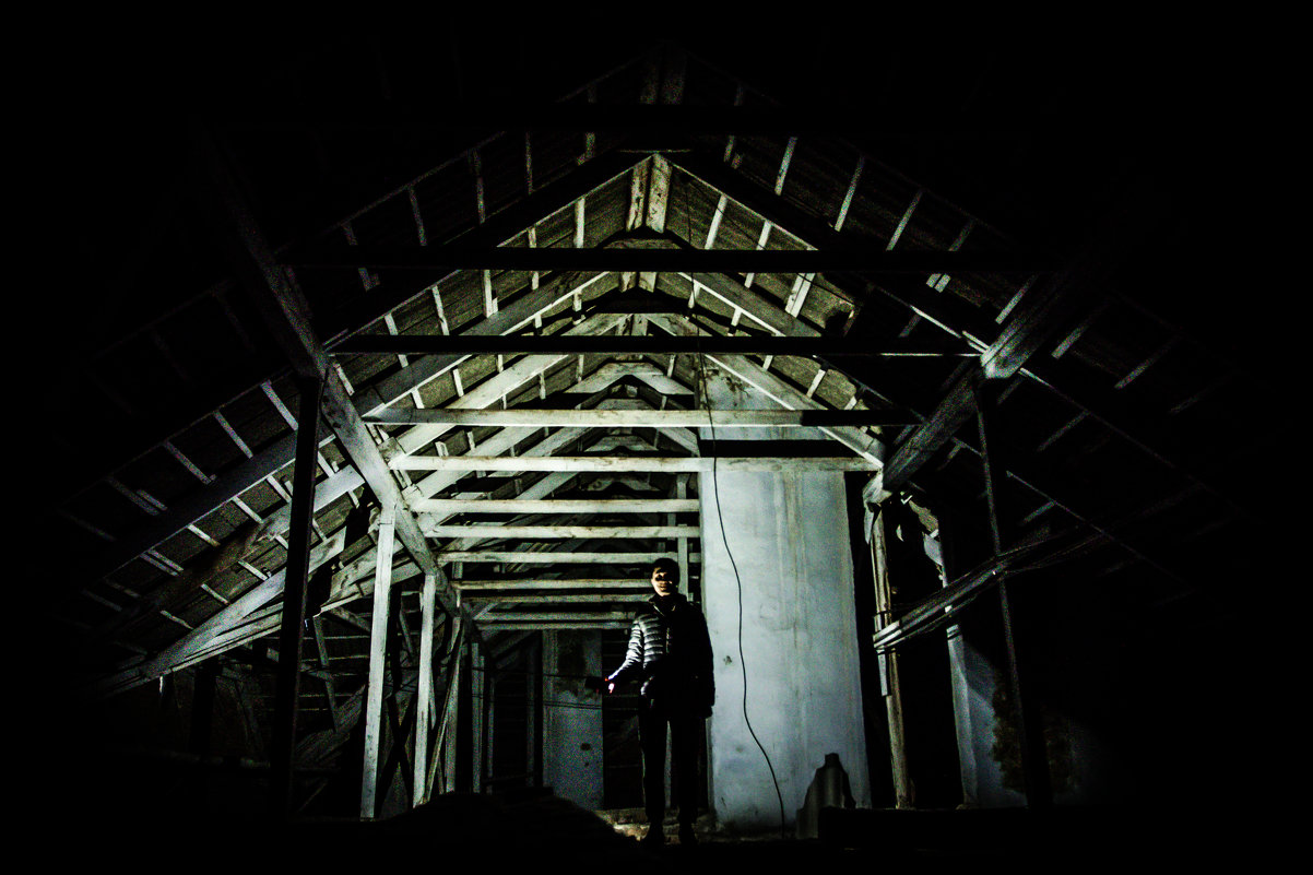 Один в темноте - Константин