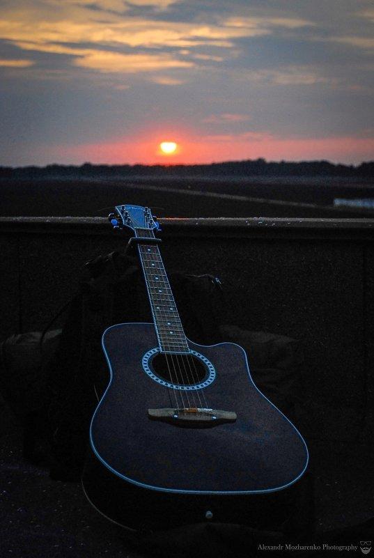 Sunset&guitar - Alexandr Mozharenko