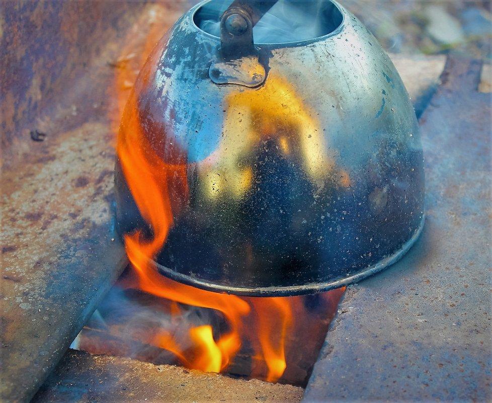 Закипает чайник - Сергей Чиняев