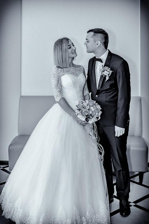 Жених и невеста перед регистрацией - Николай Ефремов