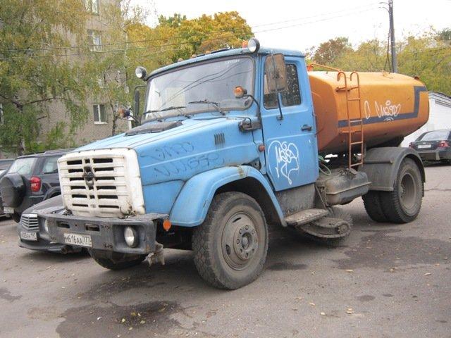 Поливомоечный автомобиль - Дмитрий Никитин