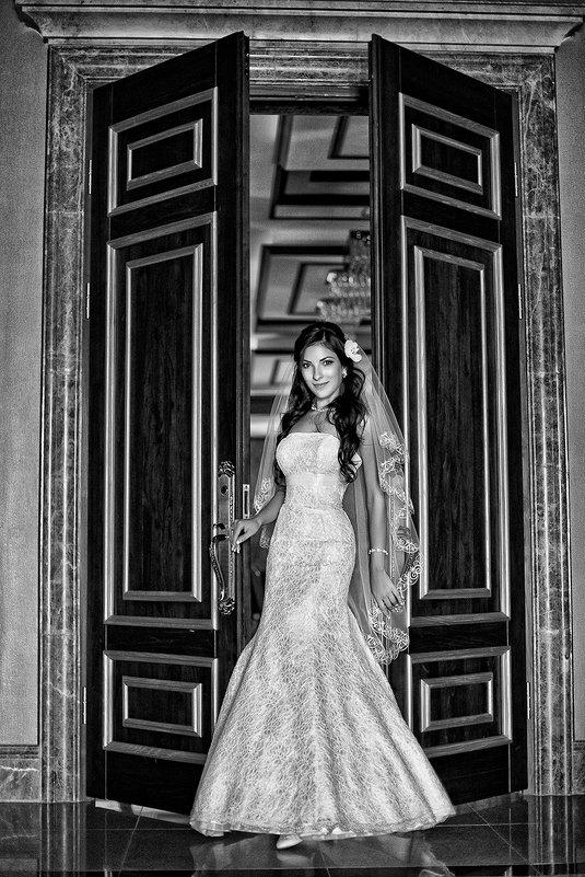 А вот и невеста! - Евгений Мезенцев