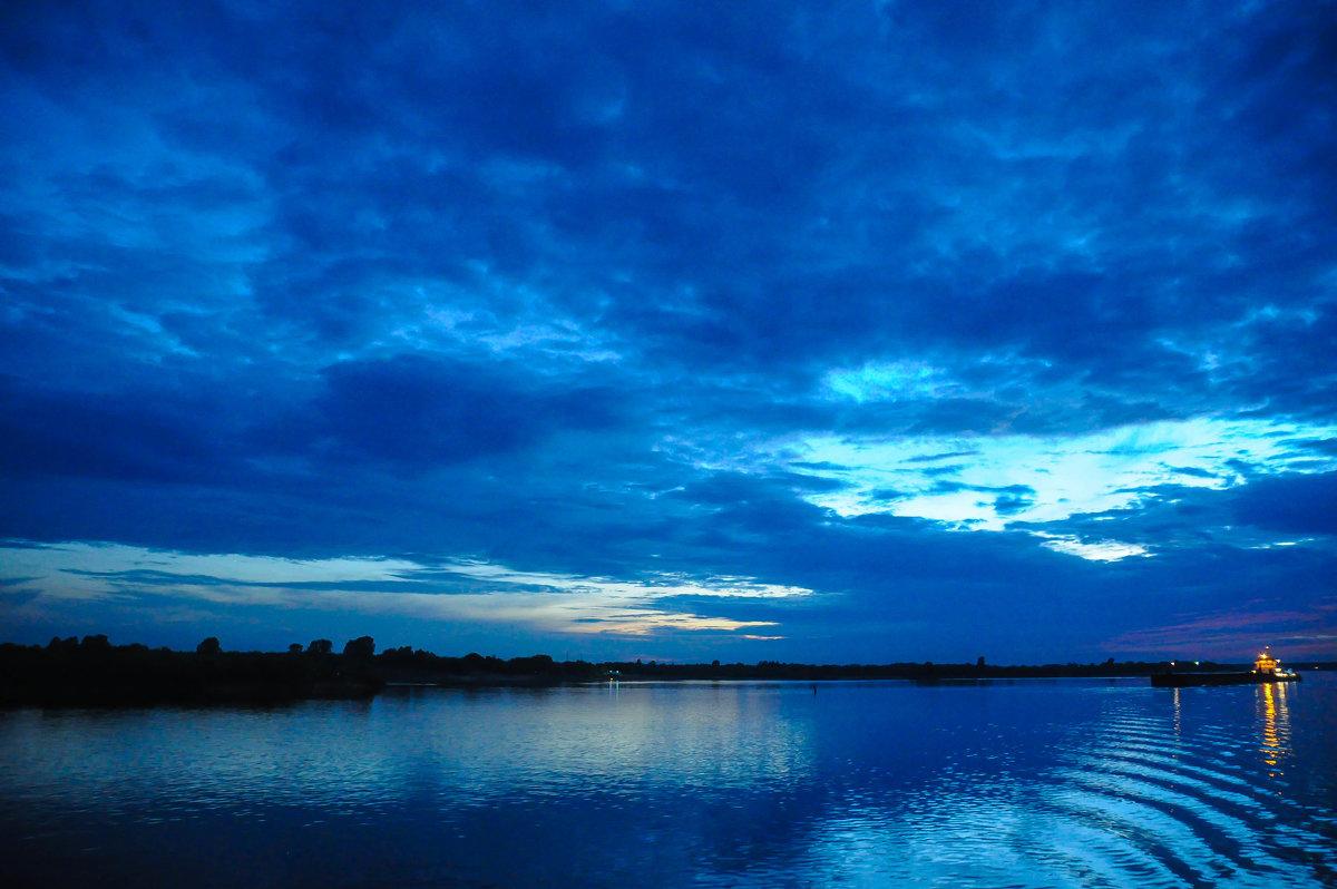 Синий вечер над рекой - Сергей Тагиров