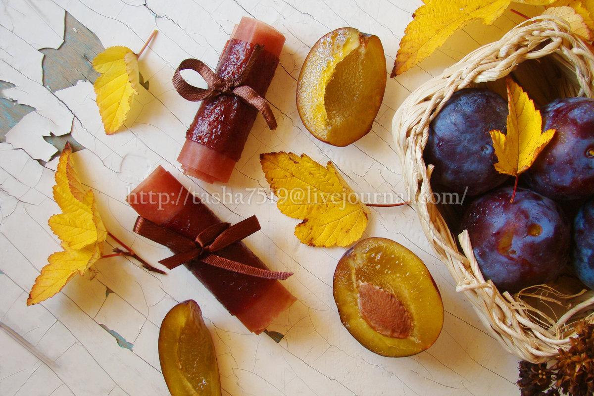 Пастила из сливы . Рецепт можно посмотреть в кулинарной группе  http://vk.com/public85432007 - Наталья Майорова