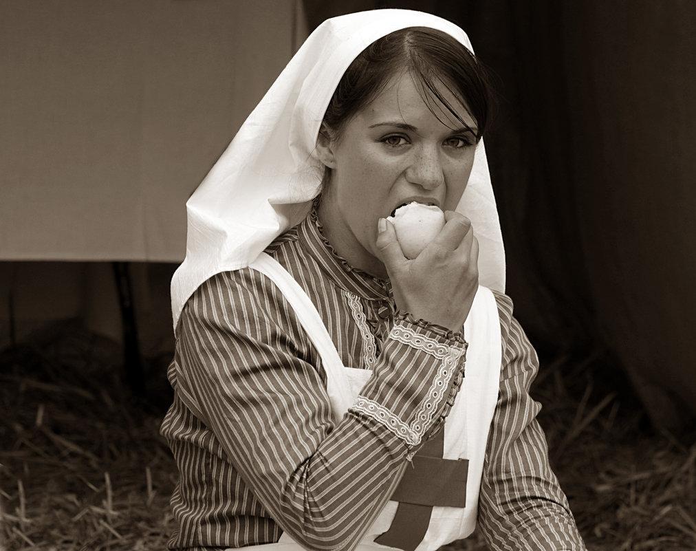 ... голод не тетка ... - Дмитрий Иншин