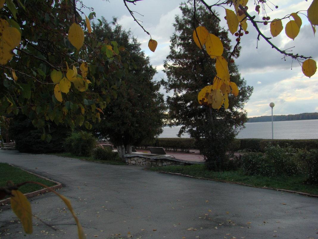 На набережной Волги - марина ковшова