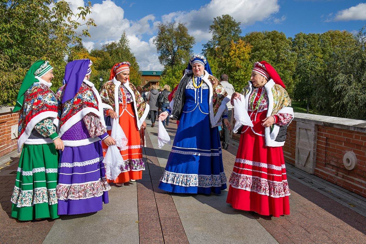 Здесь лучшие невесты,  песни и оркестры! - Ирина Данилова