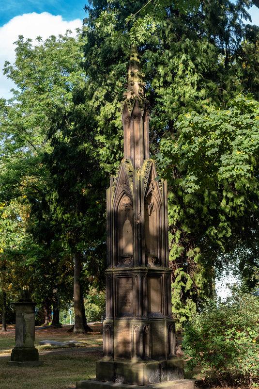 Памятник немецкому аристократу 18 век - Witalij Loewin