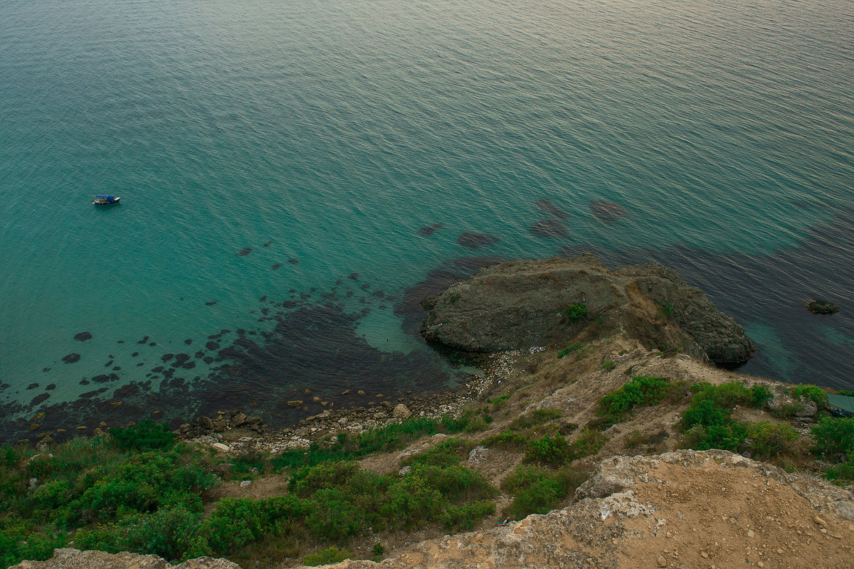 Чистый крымский берег и прозрачное море) - Энвер Крымский