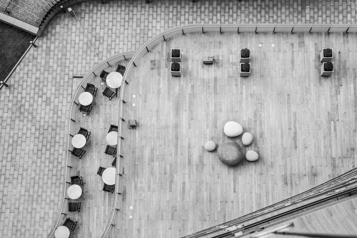 Внутренний дворик гостиницы - Андрей Синявин