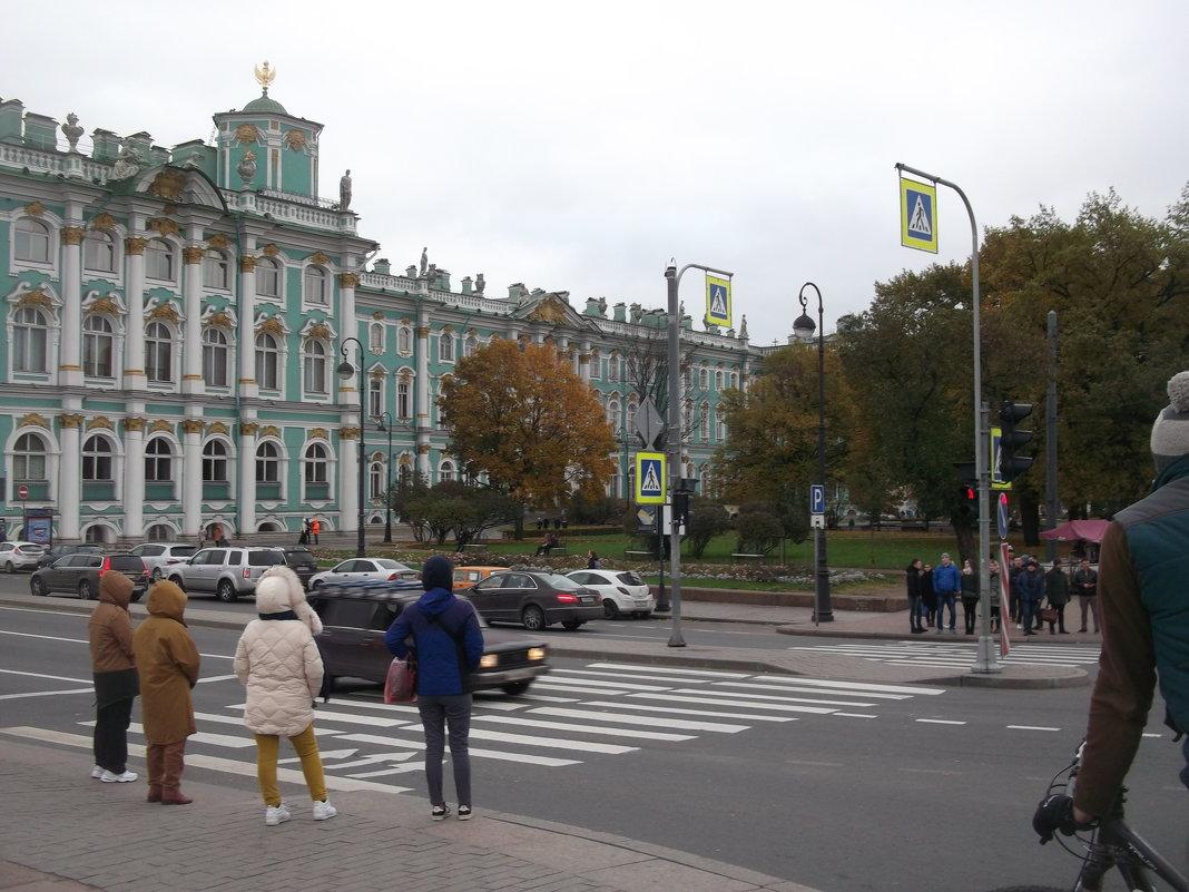 Сад у Эрмитажа - Svetlana Lyaxovich