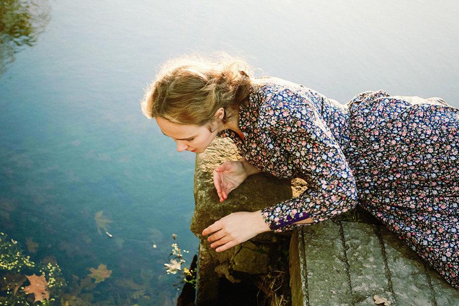 у реки - Таня Тэффи