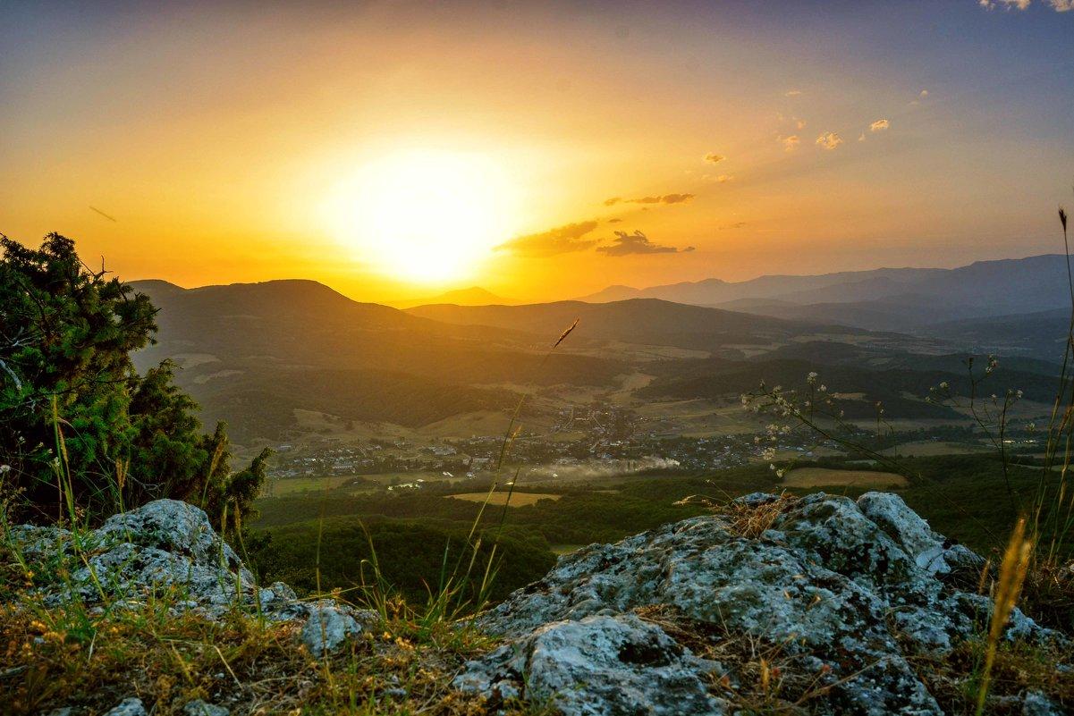 Крымские горы на рассвете - Ольга