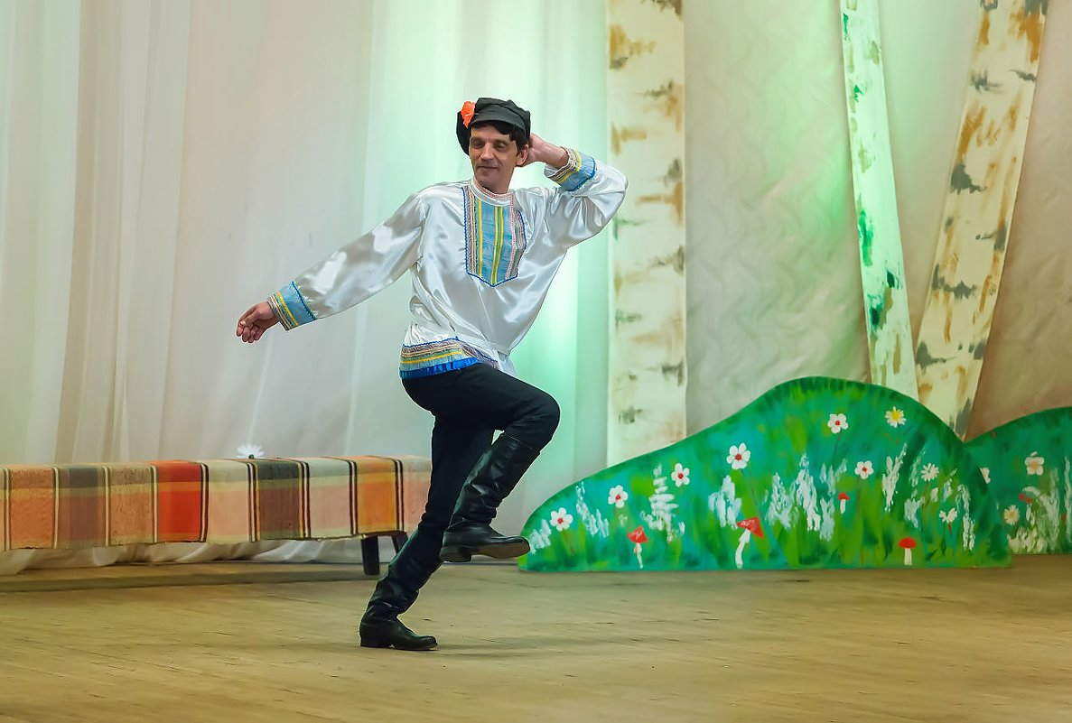 На сцене - Валентин Кузьмин