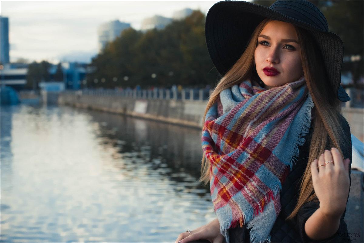 На набережной - Валерия Photo