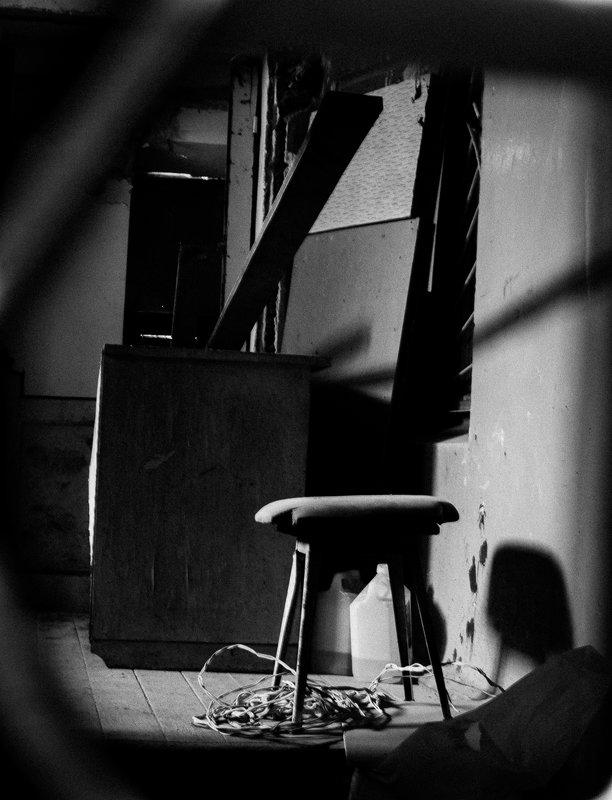 Интерьер подъезда в минском дворике - Дмитрий Шишкин