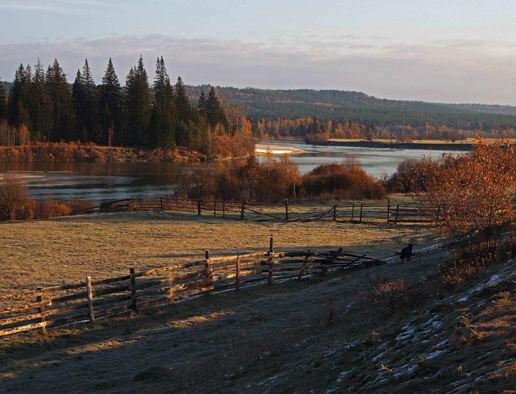 Прохладным утром на реке... - Александр Попов
