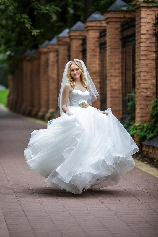 Сбежавшая невеста... - Александр Воронов