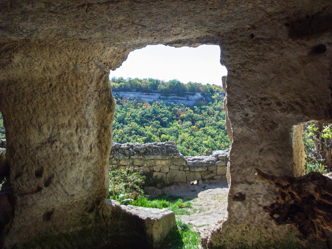 Вид из древнего пещерного комплекса - Варвара