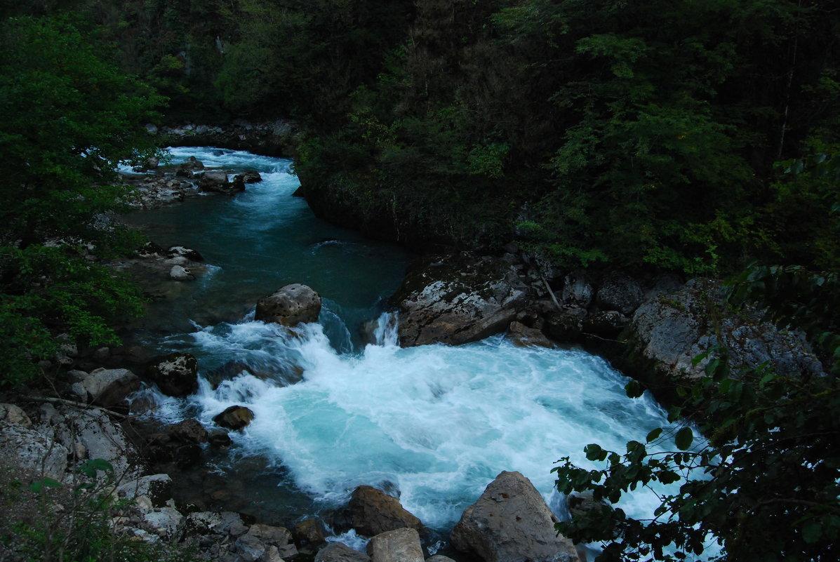 Горная река Бзыбь - Нелли *