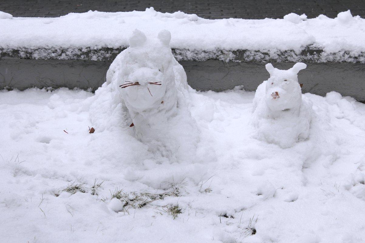 Скульптурки из первого снега. - Наталья Золотых-Сибирская