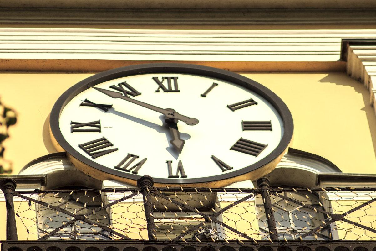 time - Николай Фролов