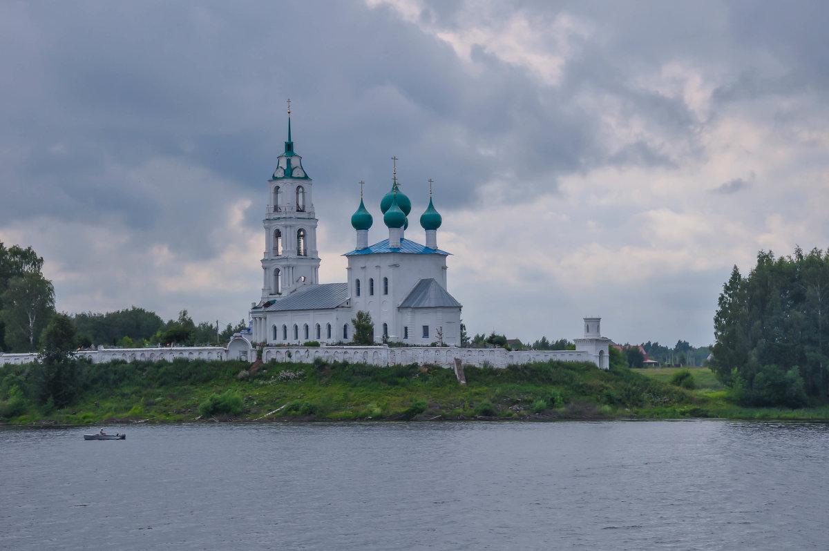 Монастырь на берегу Волги - Сергей Тагиров