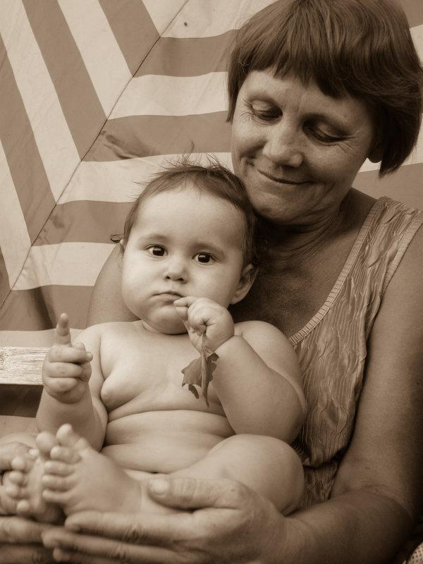 В бабулиных руках - Юлия Супенко
