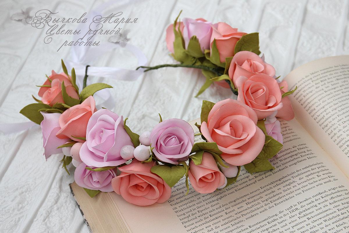 Веночек с розами - МАРИЯ БЫЧКОВА