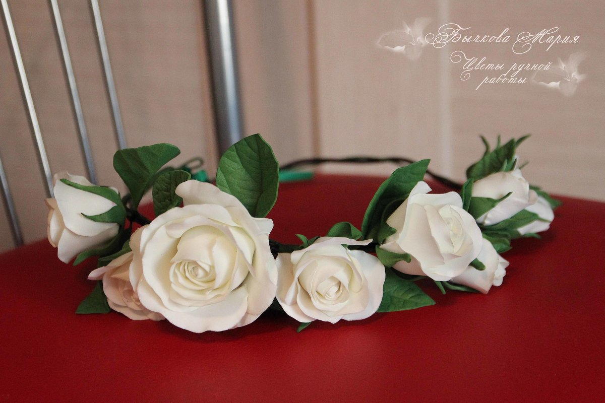 Веночек с розами и бутонами на кожаном шнуре... - МАРИЯ БЫЧКОВА