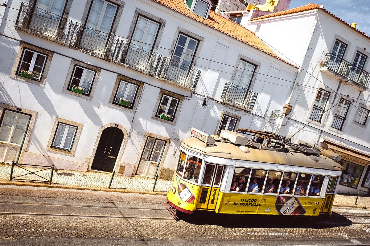 Old tram - Alena Kramarenko