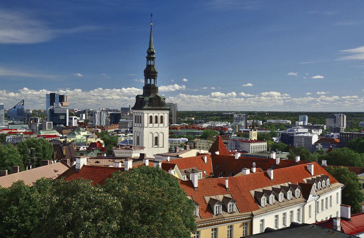 Над крышами - Дмитрий Близнюченко