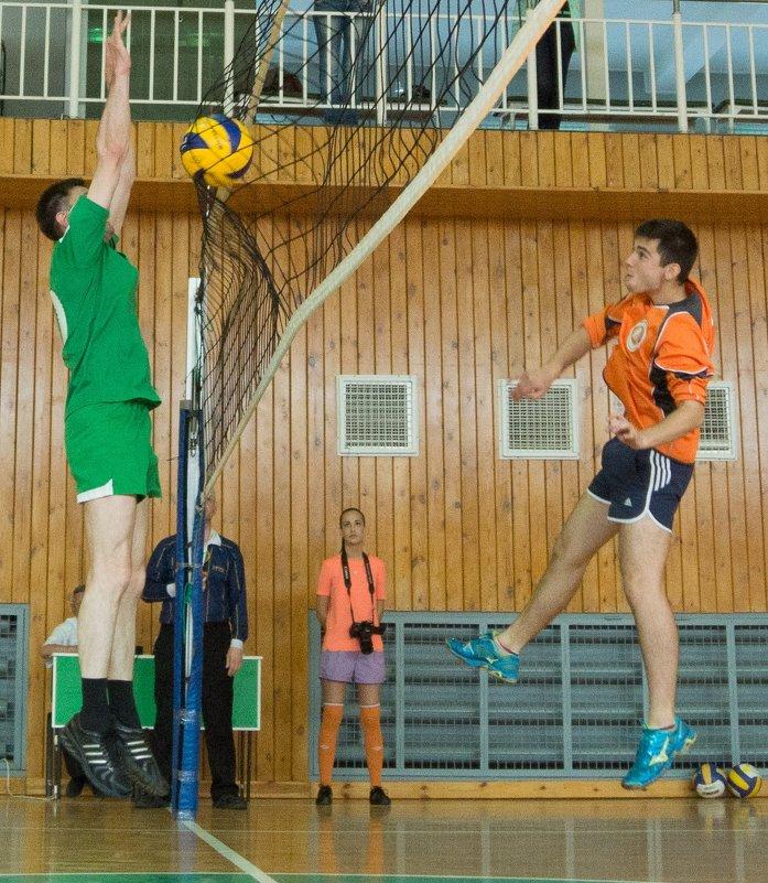 Соревнования по волейболу 1 - Людмила Мозер