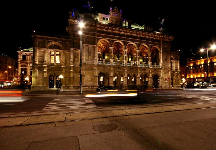 Венская опера ночью - Маргарита