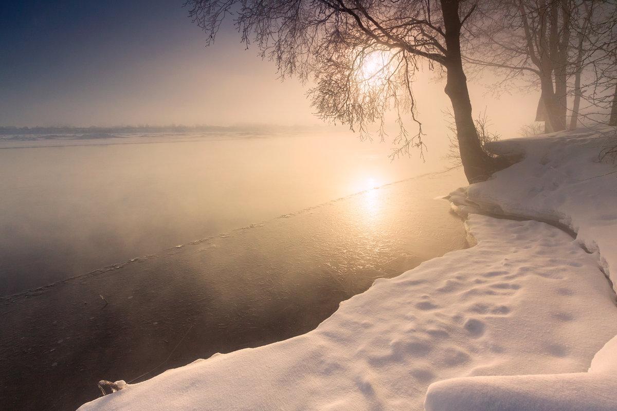 Восход над Невой - Владимир Миронов