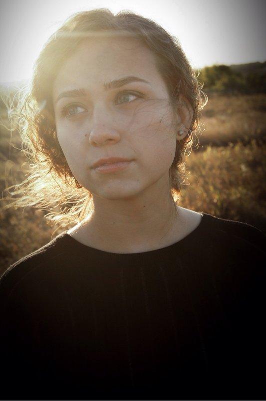 Девушка в поле - Катерина Ефремова