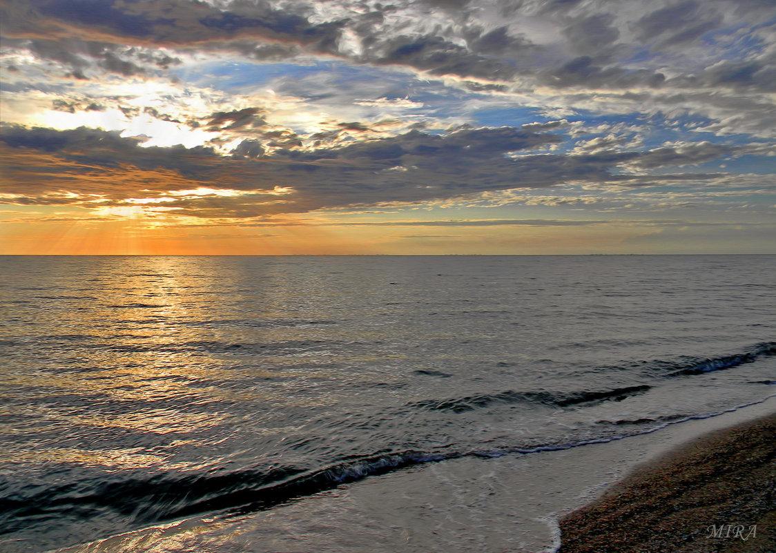 Море - это всегда море, даже если его совсем маленький кусочек ) - *MIRA* **
