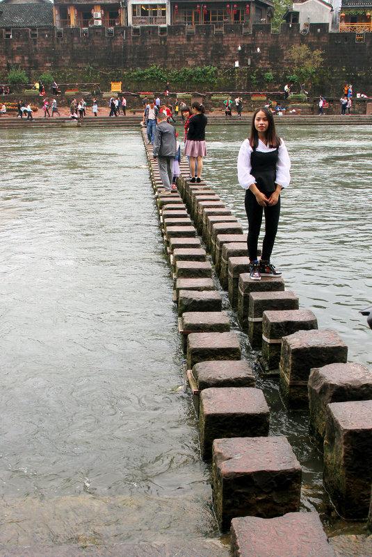 Тот самый оригинальный мост в Фэнхуане. - Николай Карандашев