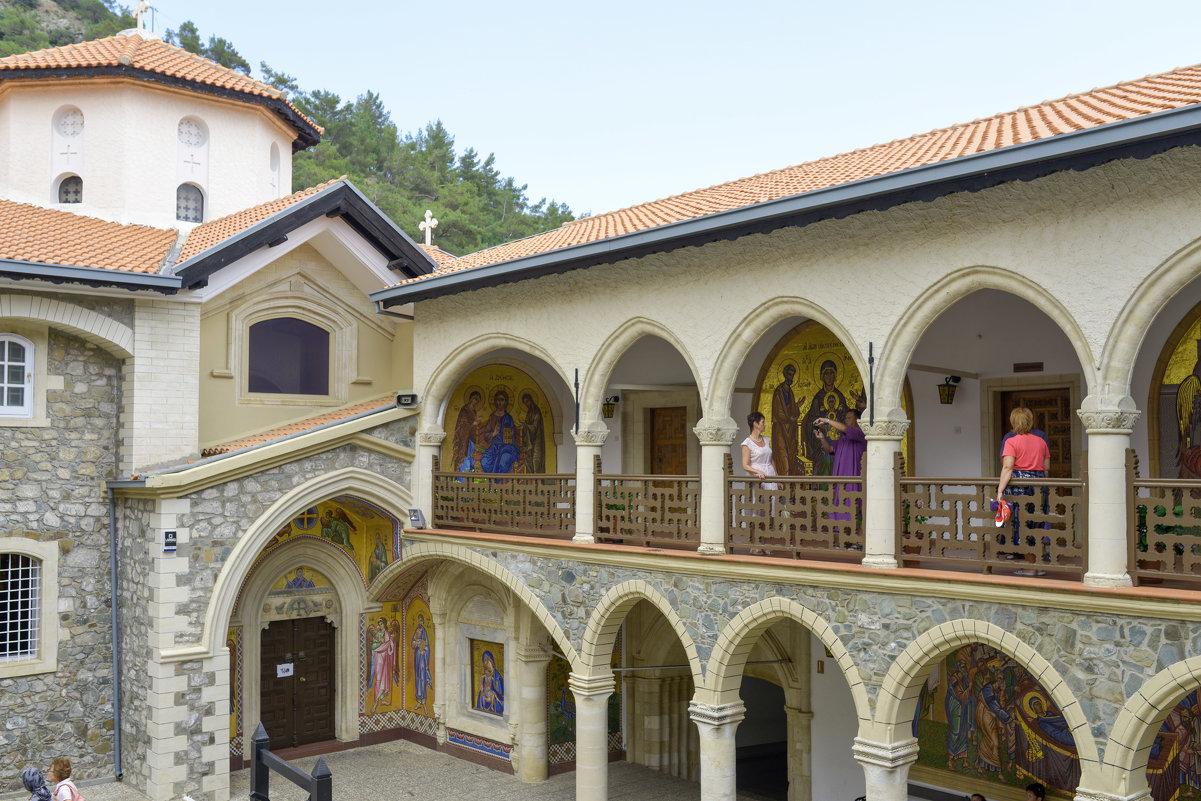 В Киккском монастыре. - Виктор Куприянов