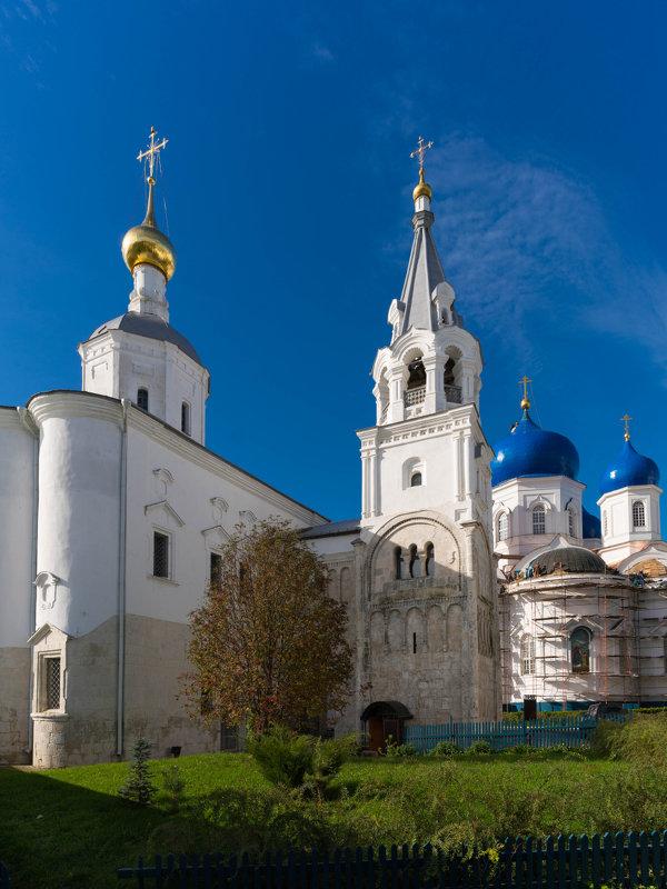 Монастырь. - Игорь